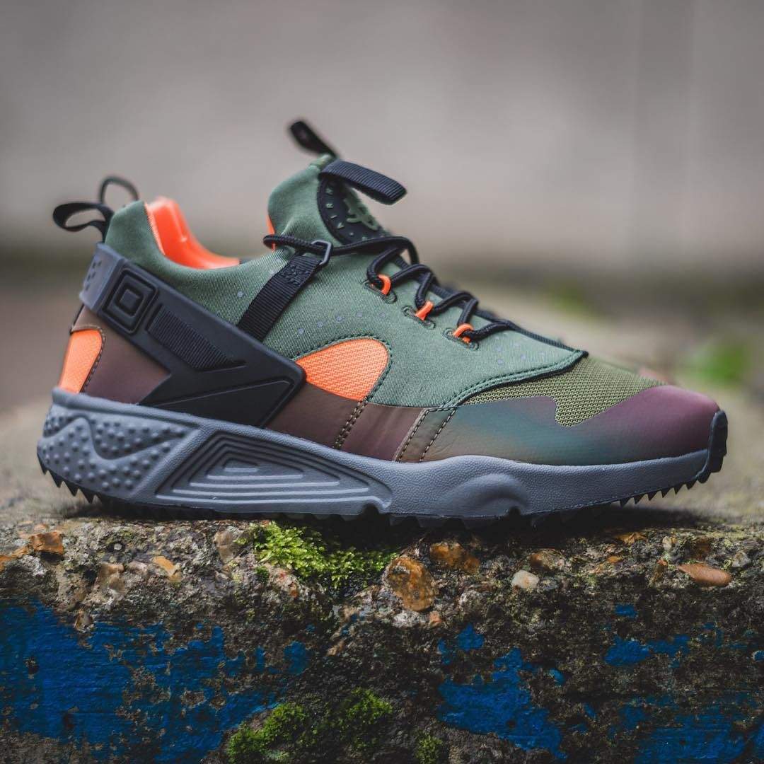 Huaraches Air Carbon Nike Premium Launches Utility Online Green a5r5dxqn d6c0ff6b1f6