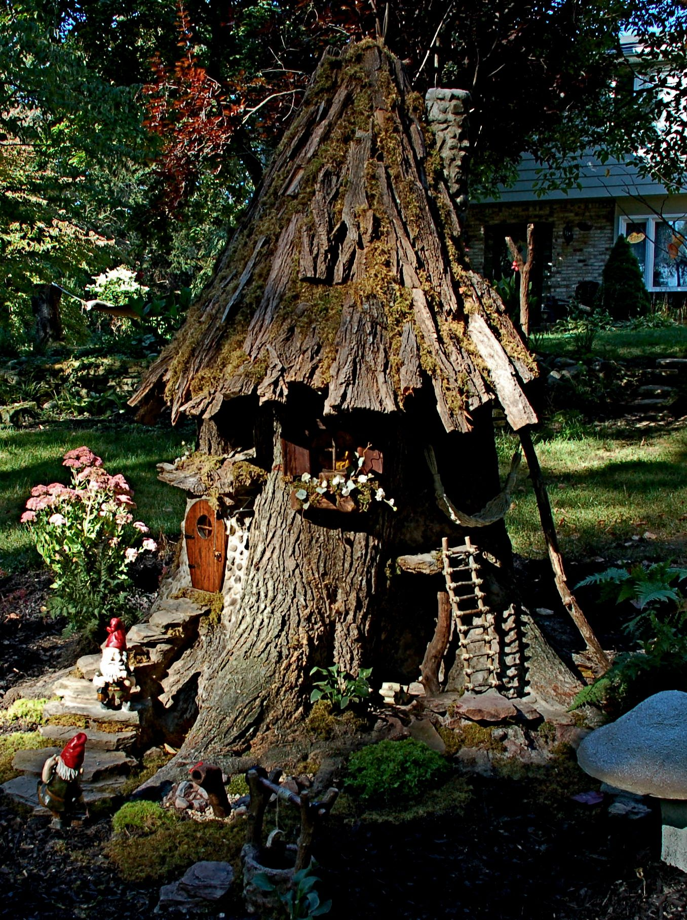 Gnome In Garden: 7 Foot Gnome House From Old Tree Trunk