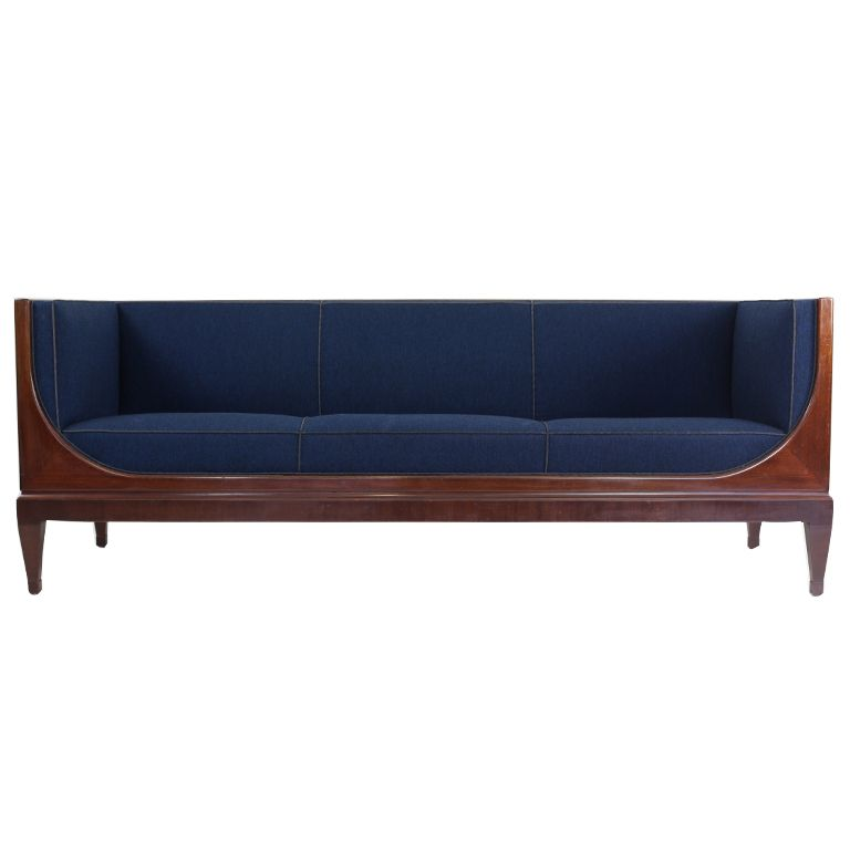 Henningsen Sofa