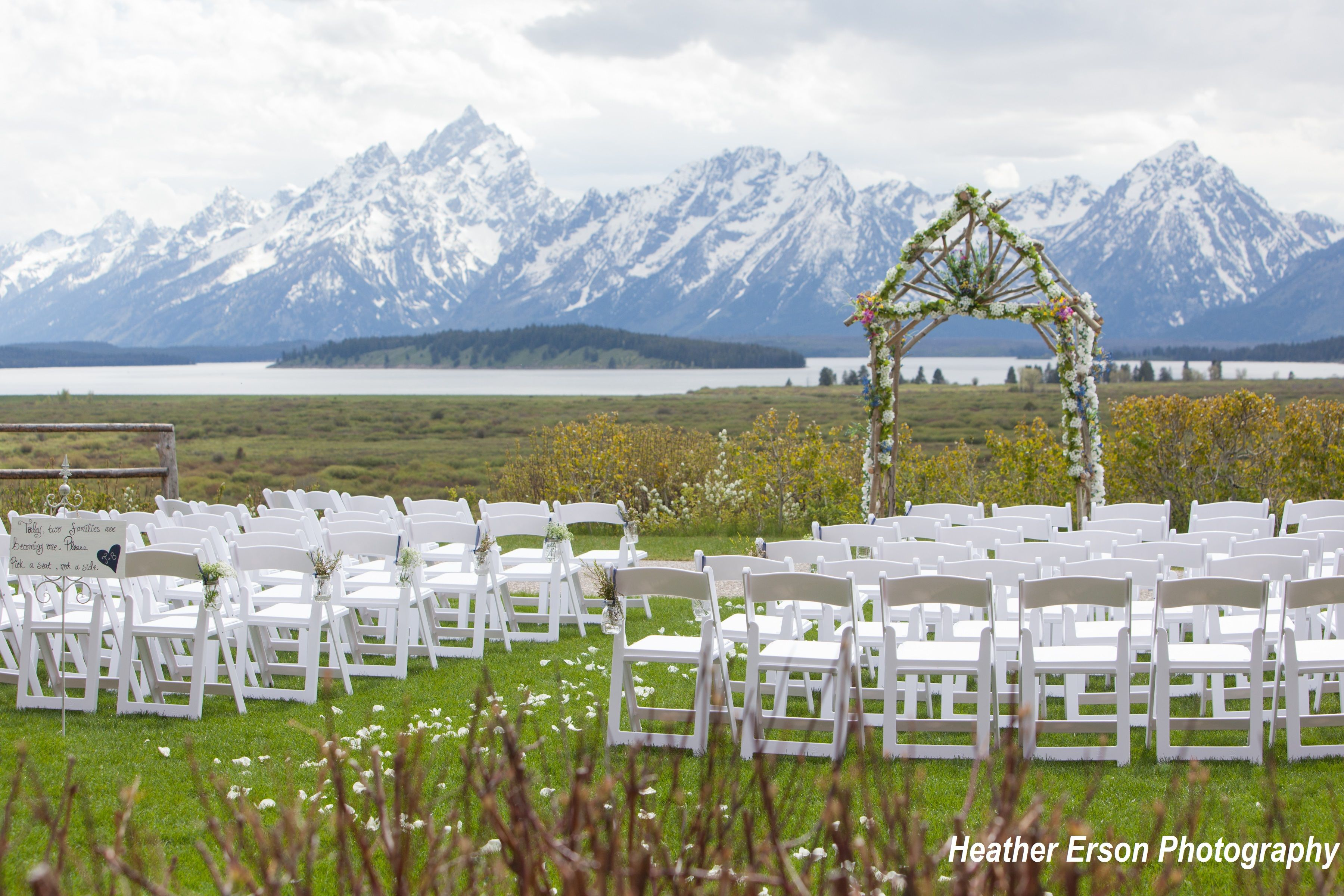 Outdoor Mountain Wedding With A Stunning View Of The Tetons At Jackson Lake Lodge Mountai Mountain Wedding Venues Destination Wedding Locations Wedding Venues