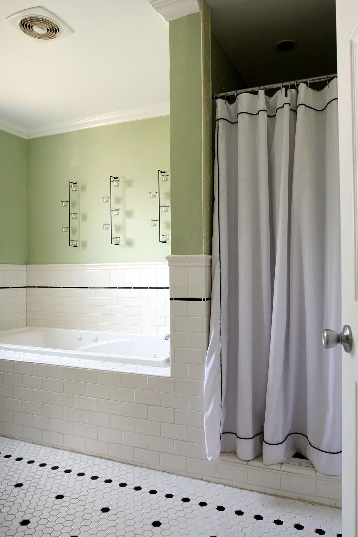 Paint colors that match this Apartment Therapy photo SW 6160 Best