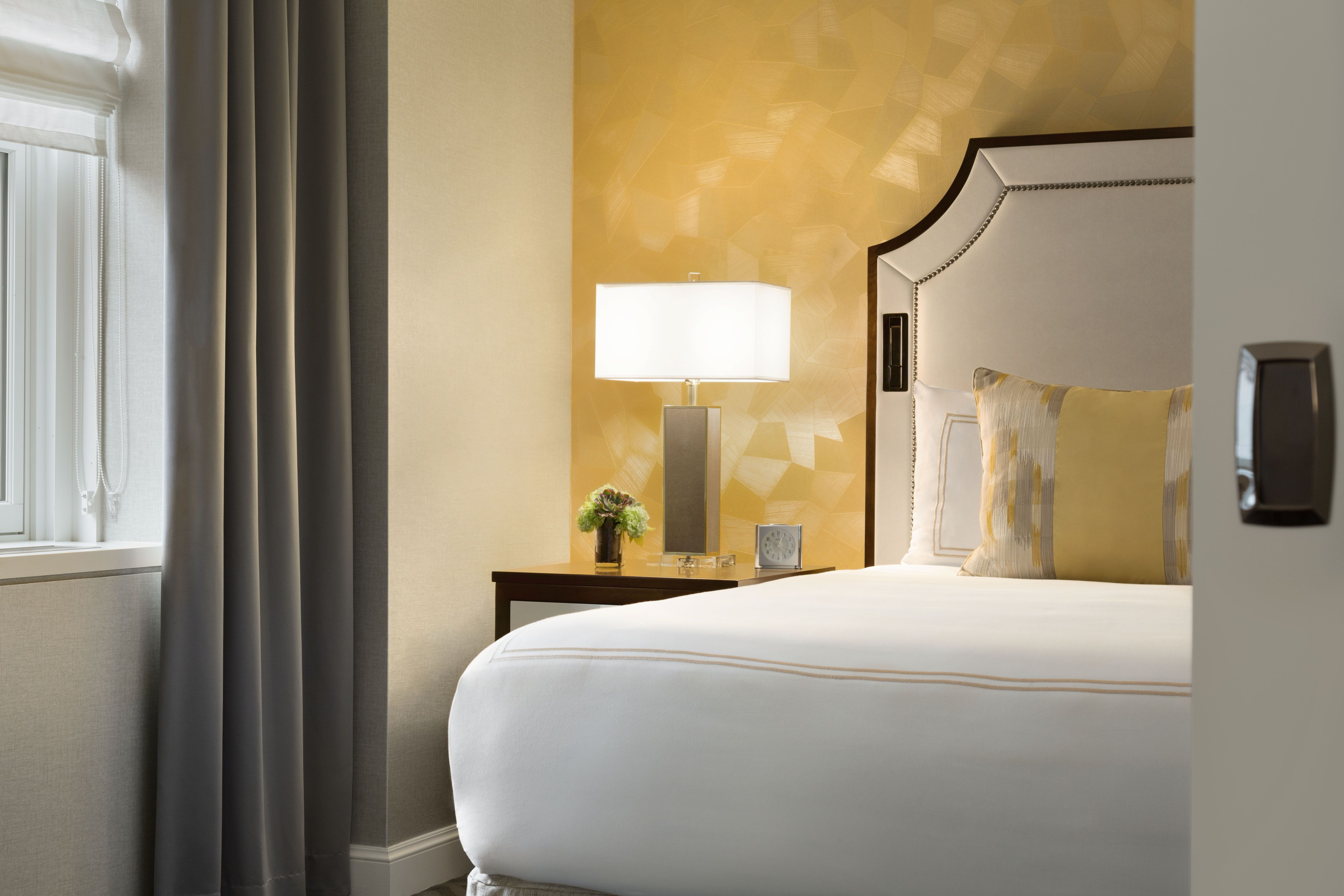 Signature Executive Suite Bedroom at the Fairmont Olympic