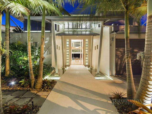 Photo Of Entrance Into The Modern Villa With Palm Trees All Around It Waterfront Homes Australian Homes House Front