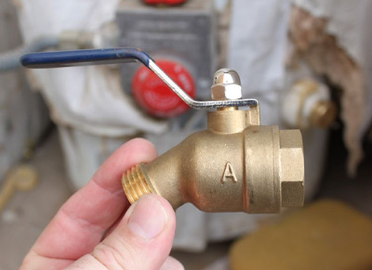 How To Replace A Leaking Water Heater Drain Valve Water Heater Replacement Water Heater Heater