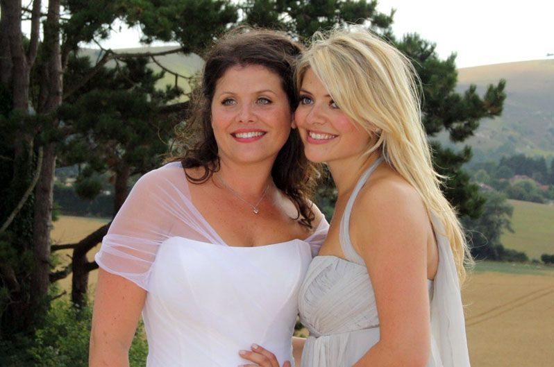 Suzanne Neville Designer Wedding Dresses For Kelly Willoughby The Sister Of Holly