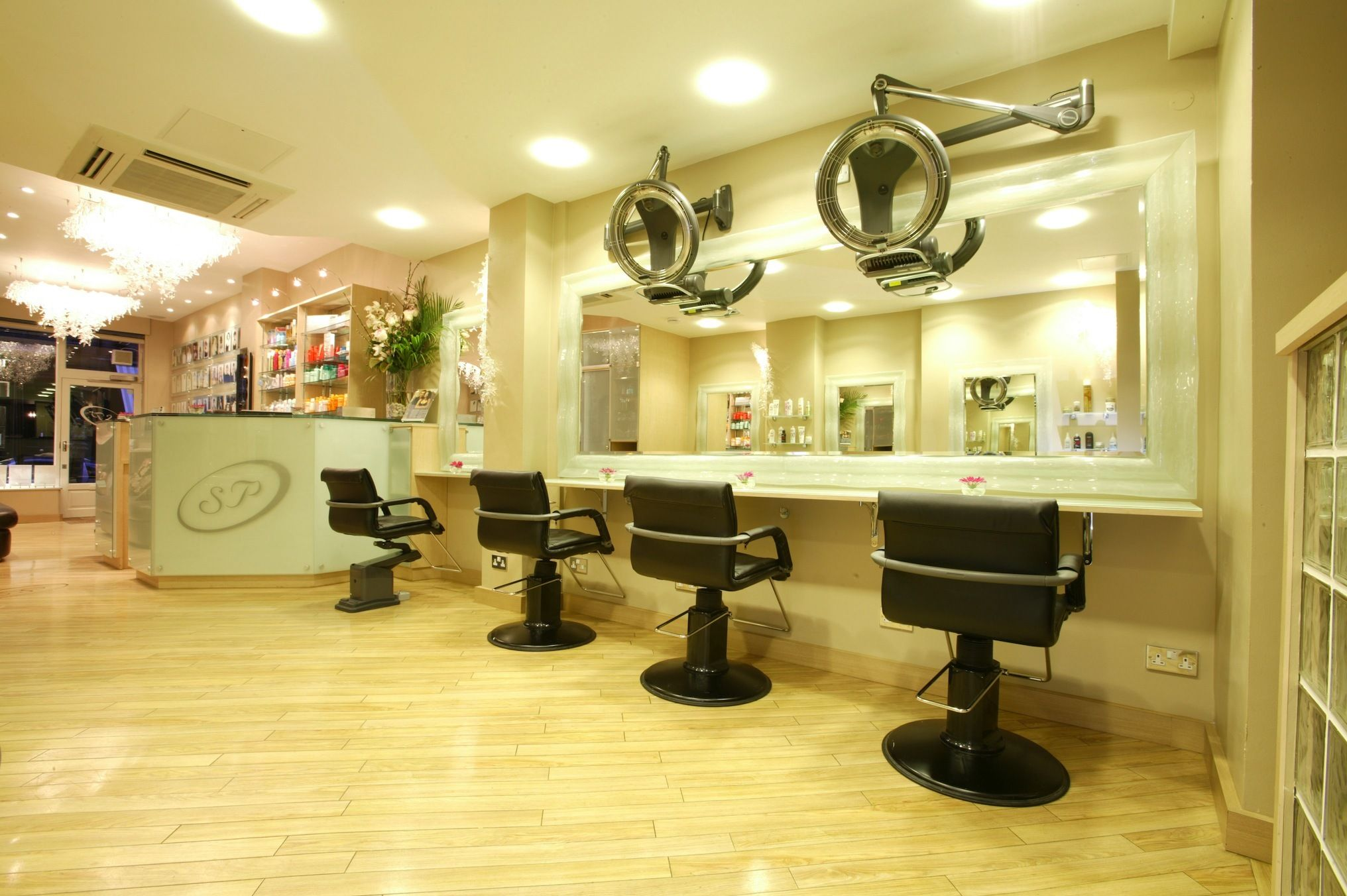 London S Best Free Haircuts Cheap Haircuts Free Haircut Beauty Room