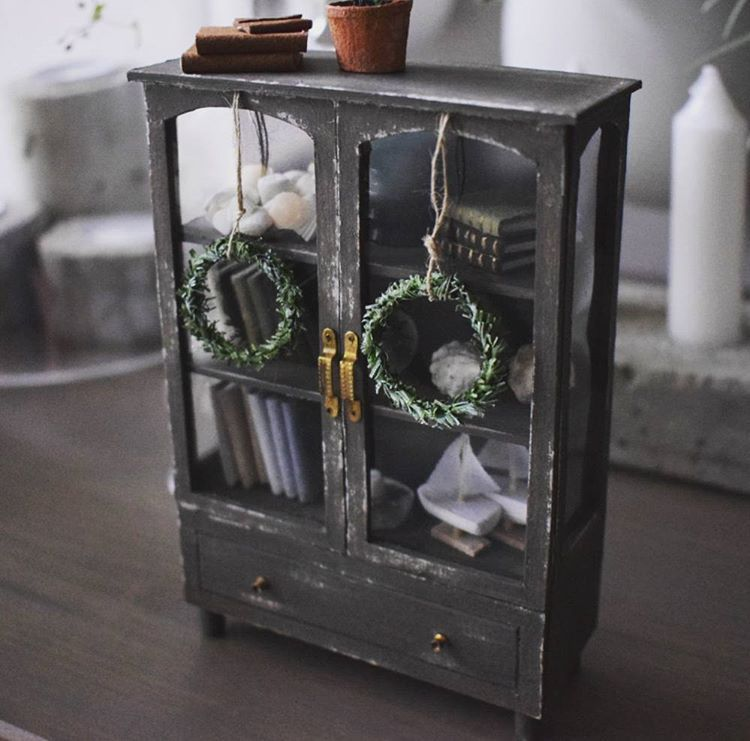 "236 Likes, 26 Comments - Salla Heikkilä (@slallaheikkila) on Instagram: ""#miniature #dollhouse #dollhouseminiatures #handmade #furniture #miniaturefurniture #nukkekoti Tein…"""