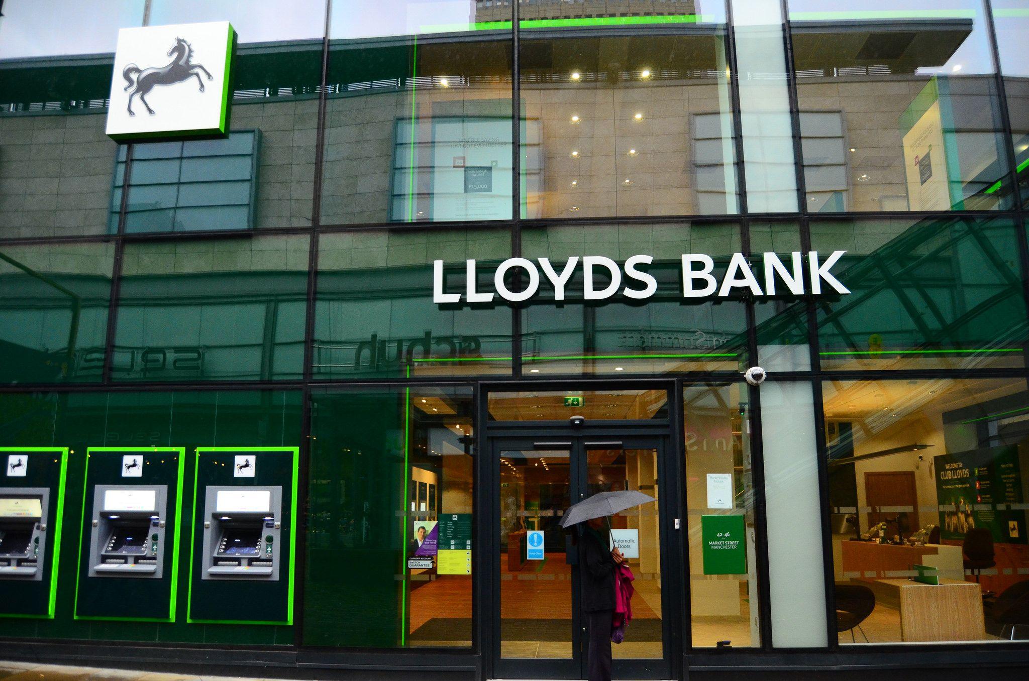 Lloyds Bank Confirms Branch Closures And 9 000 Job Losses Descrier News Lloyds Bank Lloyds Banking Group Uk Banks