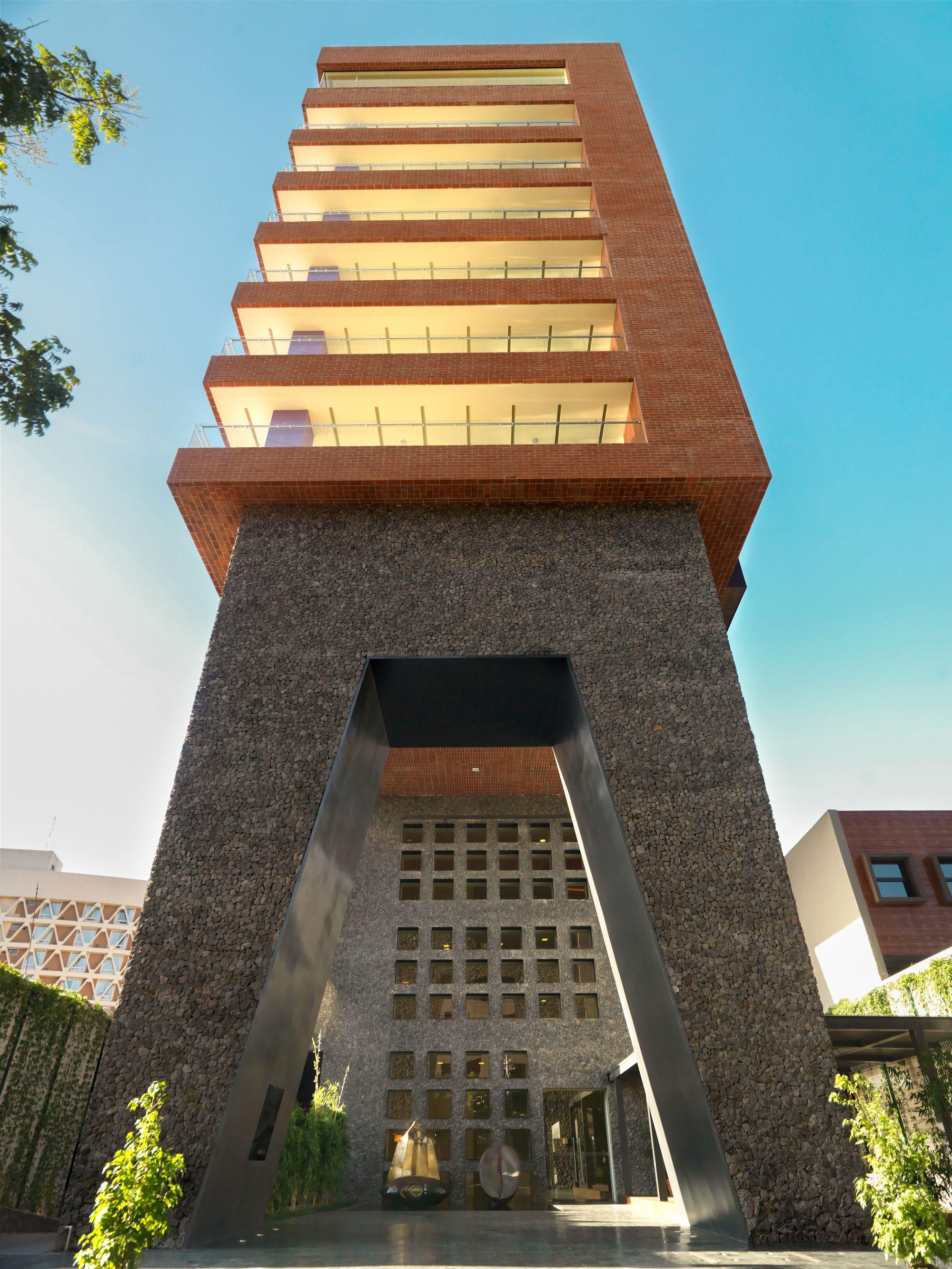 Terraesperanza legorreta legorreta arquitectura for Casa minimalista guatemala