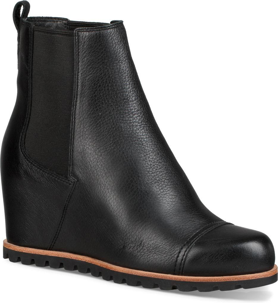 77cc4203d9f Waterproof and insulated, the UGG Women's Pax boot is stylish and ...