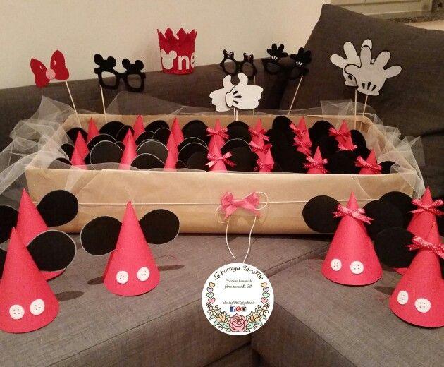 Tavolo Compleanno Topolino : Festa di compleanno topolino e minnie cappellini e coccarde per