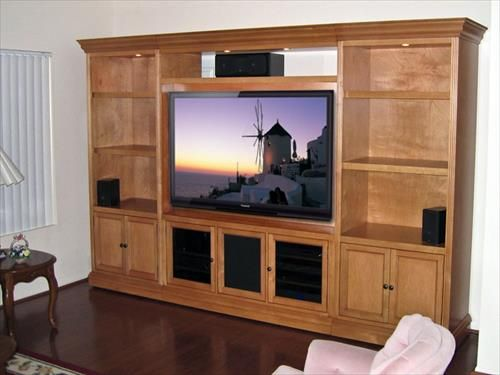 12 DIY Pallet Wood TV Stand Furniture Ideas