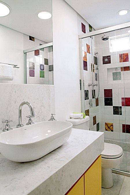 Lavabos e banheiros pequenos e bem resolvidos banheiro - Piso pequeno moderno ...