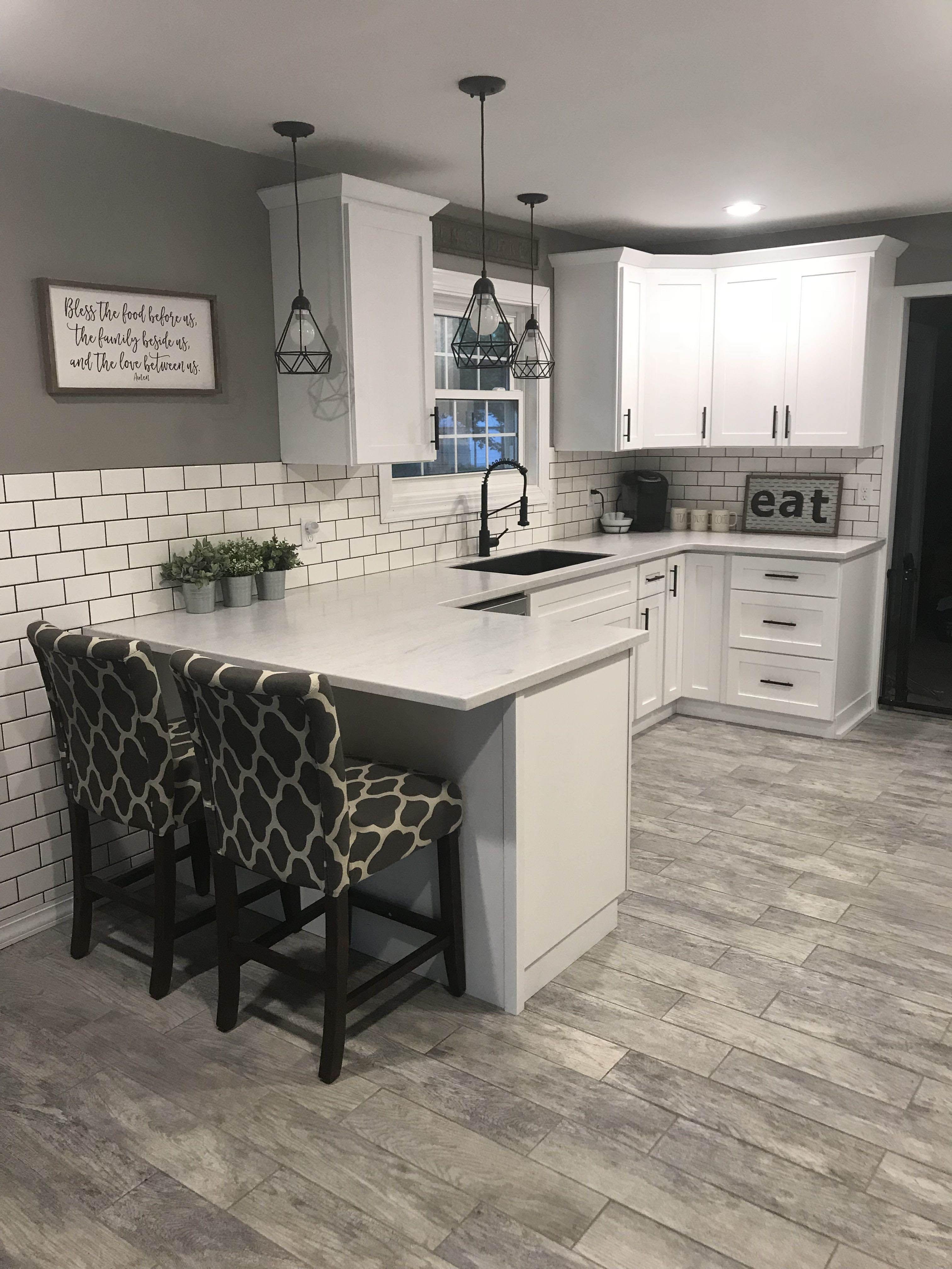 Ways To Style Gray Kitchen Cabinets Kitchen Remodel Small Diy Kitchen Remodel Country Kitchen Farmhouse