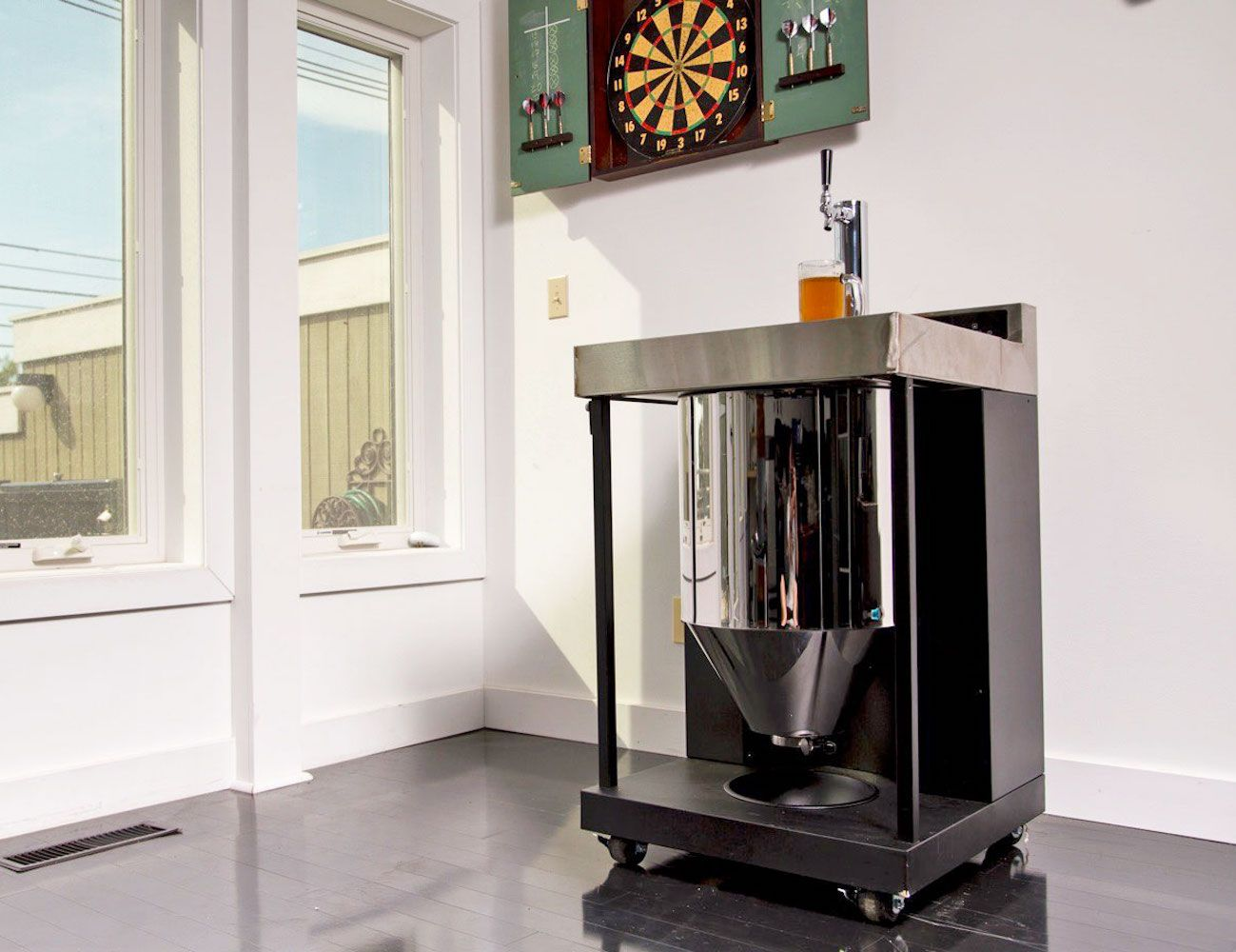 Getting the perfect brew right at home is now possible with the Vessi Fermentor Home Beer Brewing System.