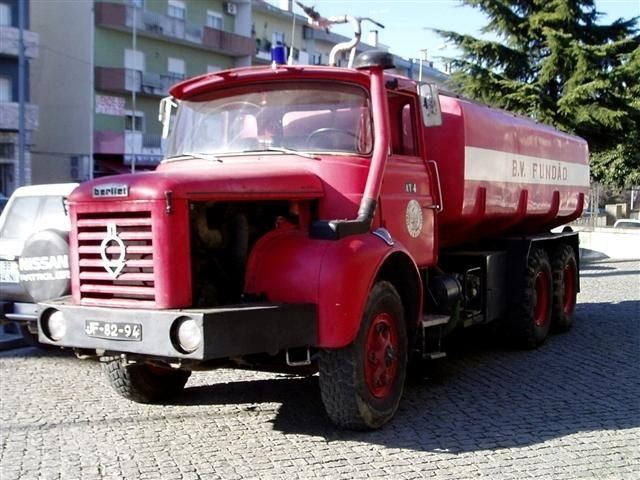 berliet tramagal french commercial vehicles trucks lorry camion pinterest trucks old. Black Bedroom Furniture Sets. Home Design Ideas