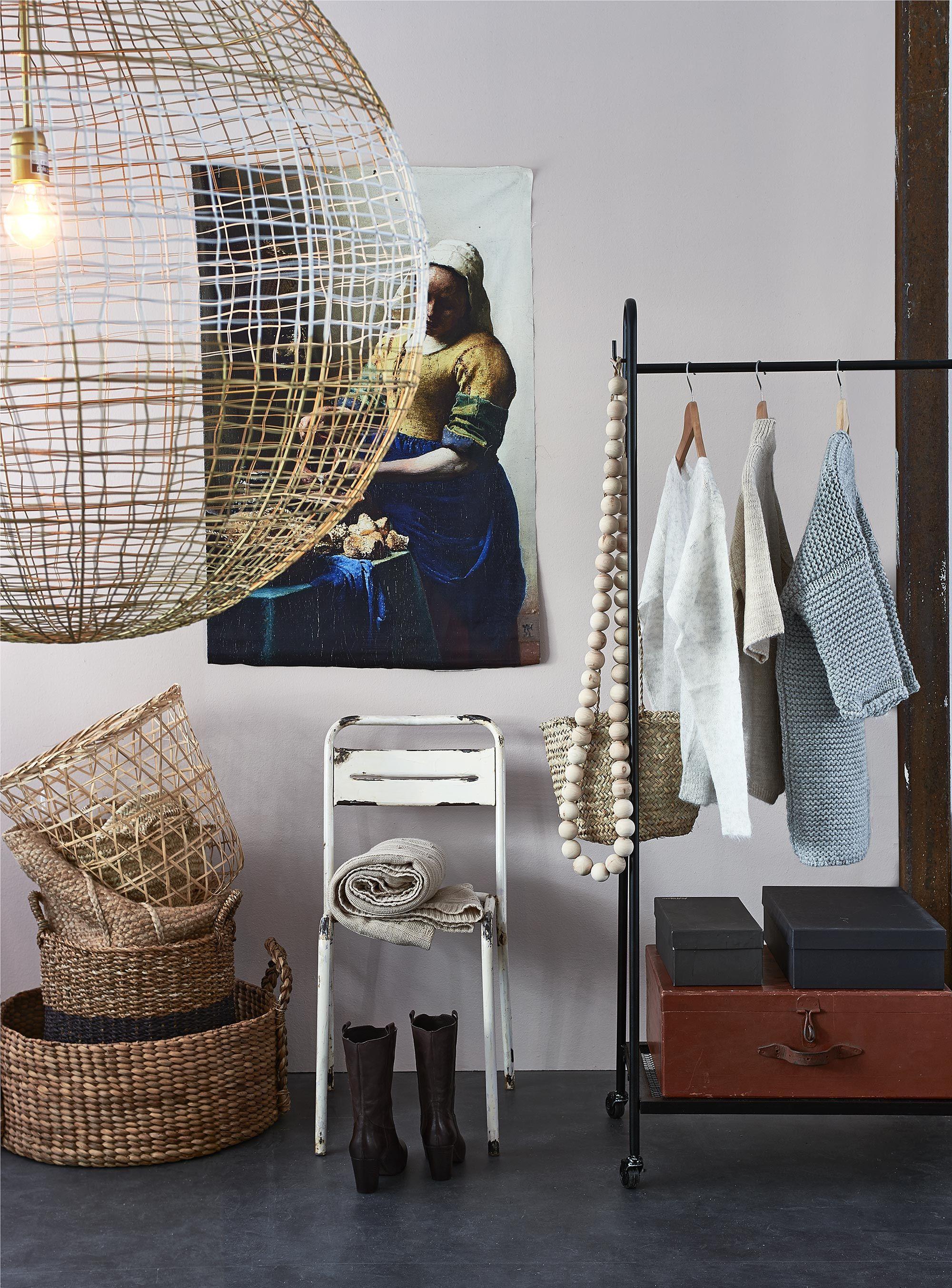 slaapkamer styling kleding | interior inspiration, interieur ...