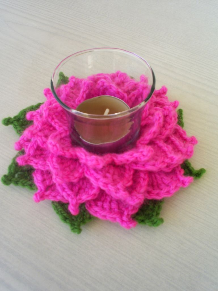 FREE PATTERN ~ C ~ @ http://www.ravelry.com/patterns/library/tealight-lotus