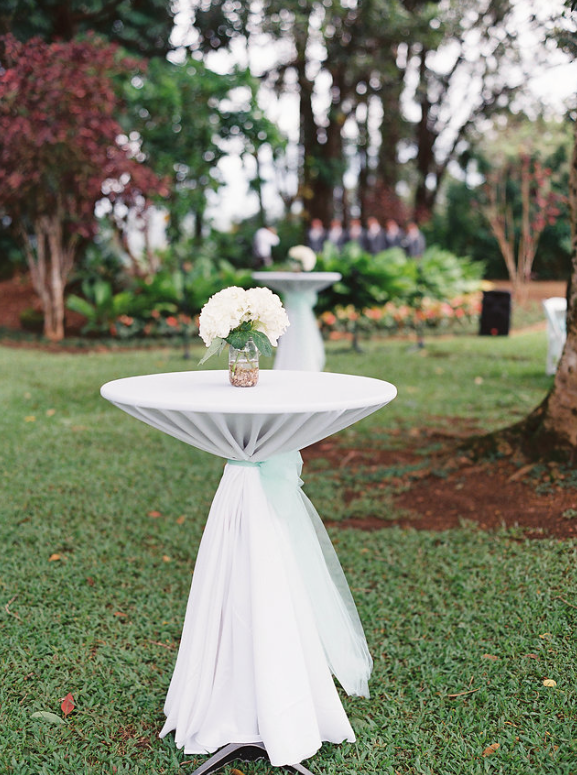 High Cocktail Tables With White Linen 120 Sash