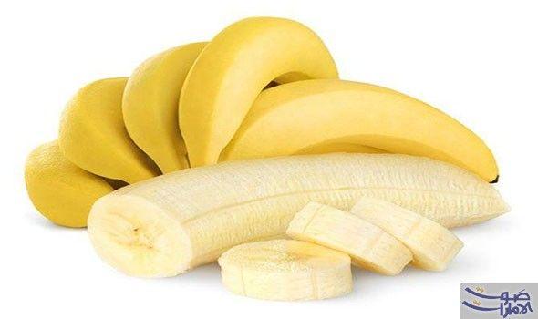 الموز علاج طبيعي وفعال للشفاء من الزكام خلال يومين فقط يعاني الكثيرون من الإنفلونزا والأعراض ا Banana Health Benefits Banana Benefits Water Retention Remedies