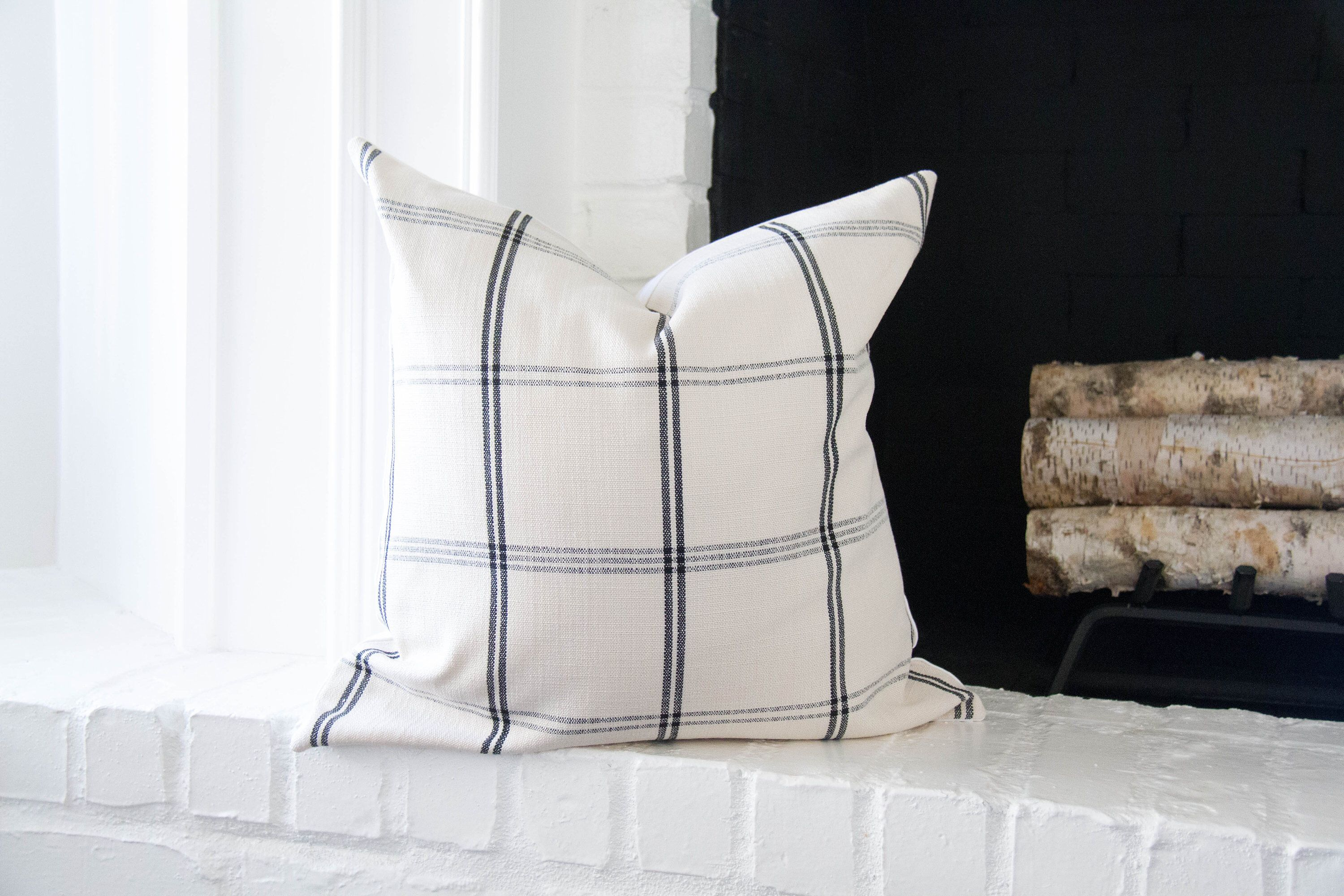 Black And Off White Plaid Pillow Cover 20x20 Modern Farmhouse Throw Pillow Covers 18x18 Farmhouse Pillow Covers White And Black Pillows Pillows Throw Pillows Black Pillows