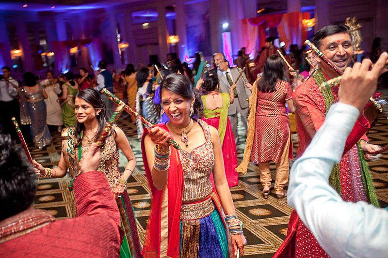 Mehndi Traditional Dance In Zimbabwe : Dandiya indian stick dance v l dream wedding