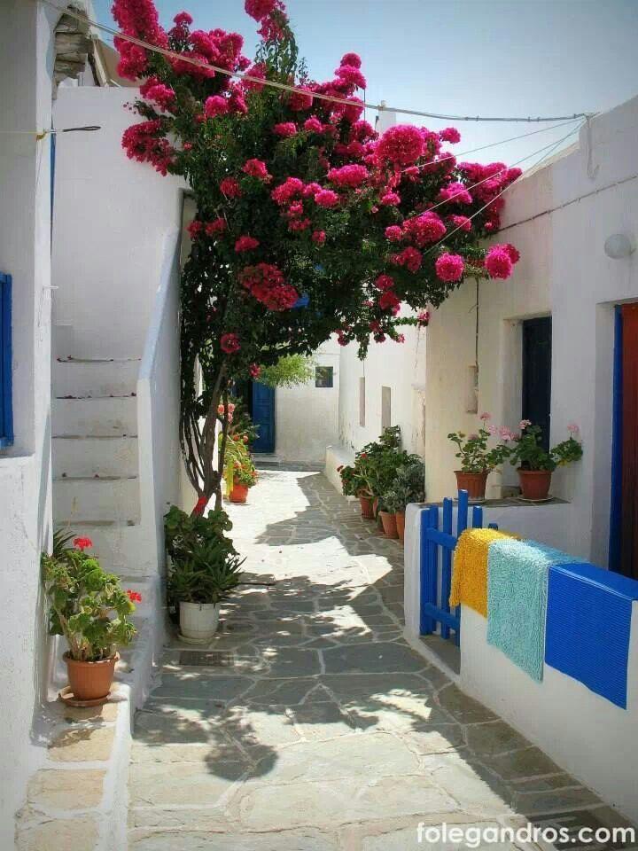Folegandros... Cute neighborhood