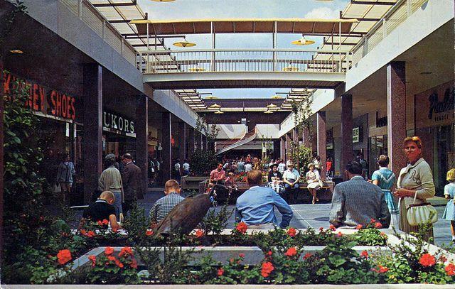 Lloyd Center Portland Oregon Portland Oregon Portland And - First shopping center in usa