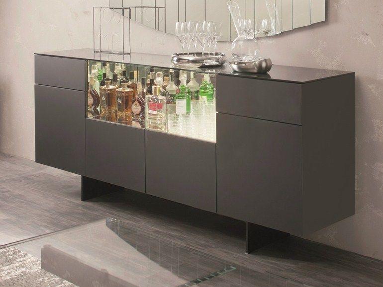 Madia in legno con ante a battente continental by cattelan for Mobili design italiani