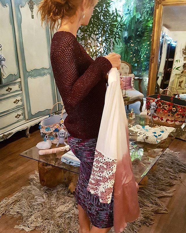 WEBSTA @ vanessamontoro - Crochet o'clock ??????? Malha Crochet Glam   Saia Sunrise #VanessaMontoroStyle #VanessaMontoroCrochet #VanessaMontoroSummer #Authentic #Luxury #HandMade #Crochet #FeitonoBrasil
