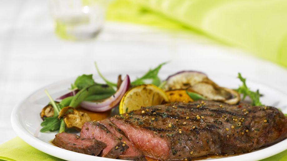 steak mit rucola orangensalat rezept orangen rezepte salat steaks und fleisch gerichte. Black Bedroom Furniture Sets. Home Design Ideas