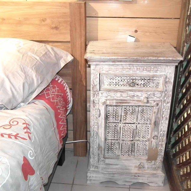 Chevet de lit indien en bois blnchi http meuble for Meuble india