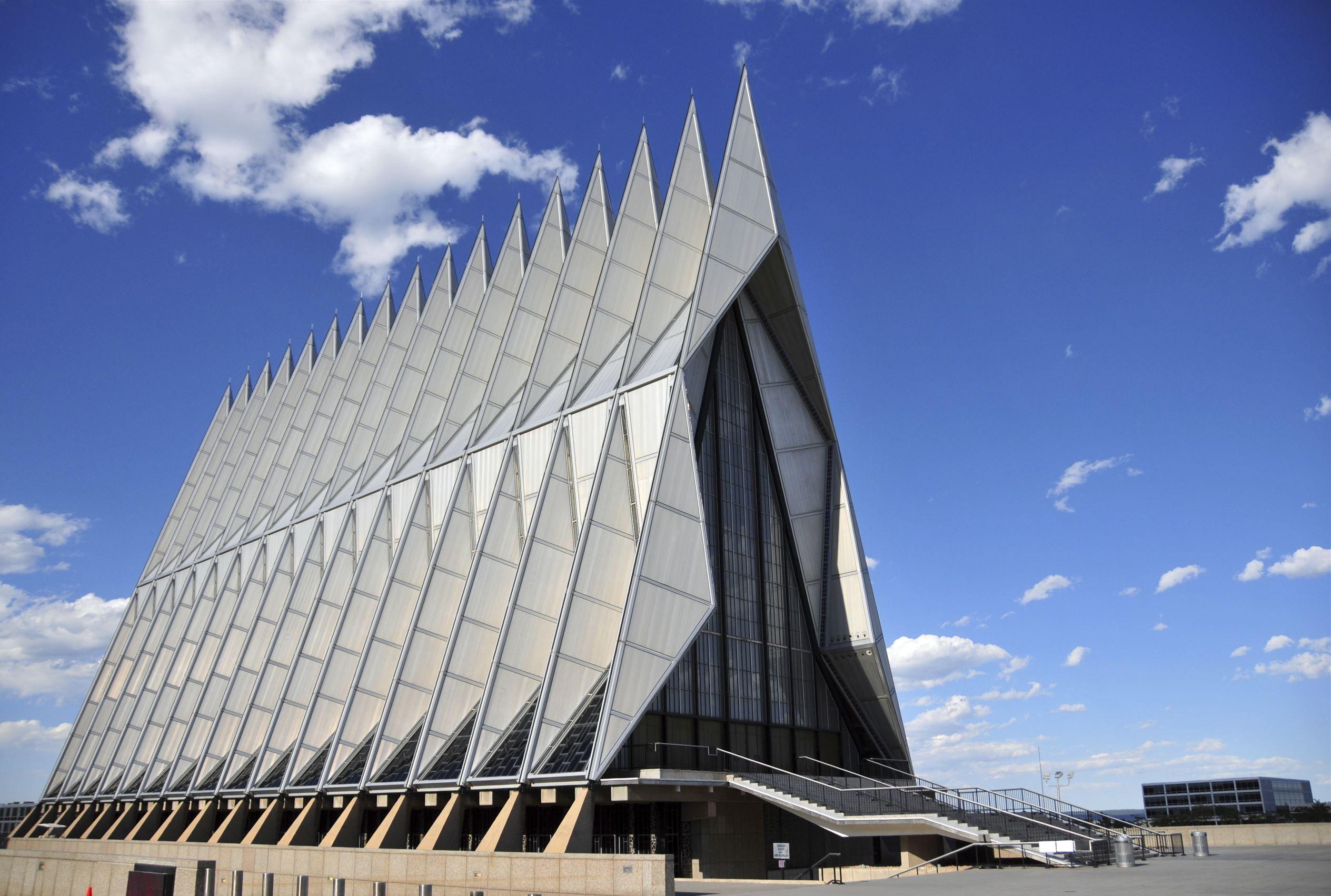 Beautiful churches around the world Around the worlds