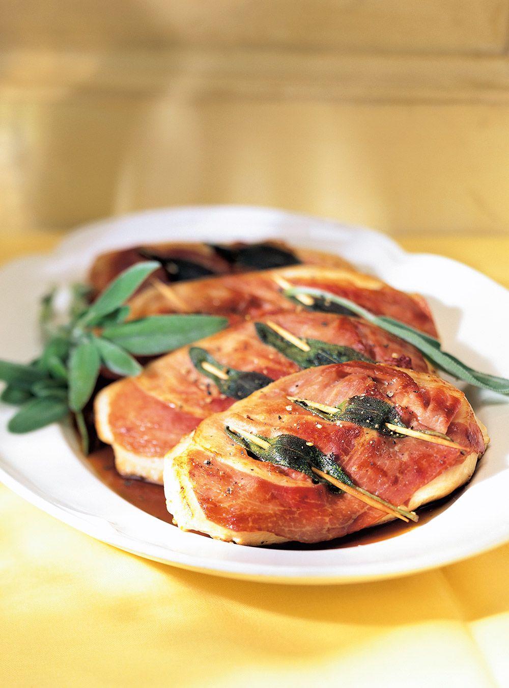 Recette de Ricardo de saltimbocca de poulet.  Cette recette de poulet italien est très simple et rapide à préparer et est un délice pour les amateurs de cuisine étrangère.