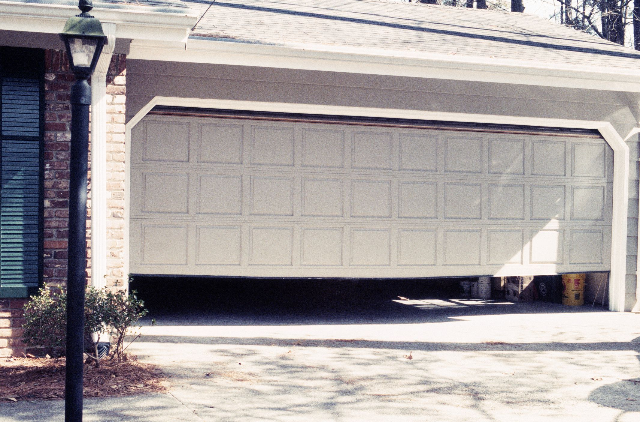 Figure Out Which Garage Door Size Is Best For You Garage Door Styles Garage Doors Garage Door Sizes