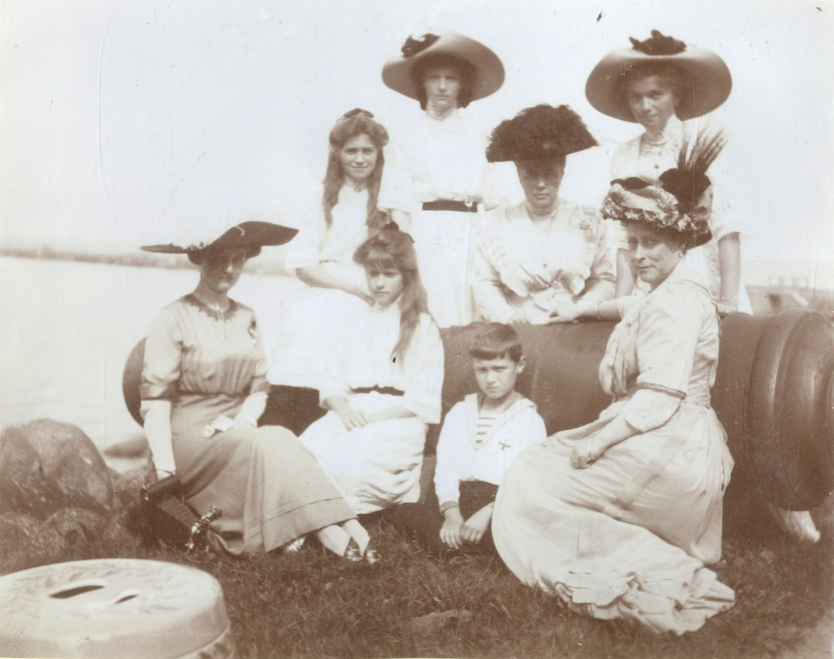 Princess Victoria, Princess of Battenberg with her nieces and nephew, the Grand Duchesses Olga, Tatiana, Maria and Anastasia Nikolaevna of Russia, and Tsarevich Alexei Nikolaevich of Russia, with two others c.1912?