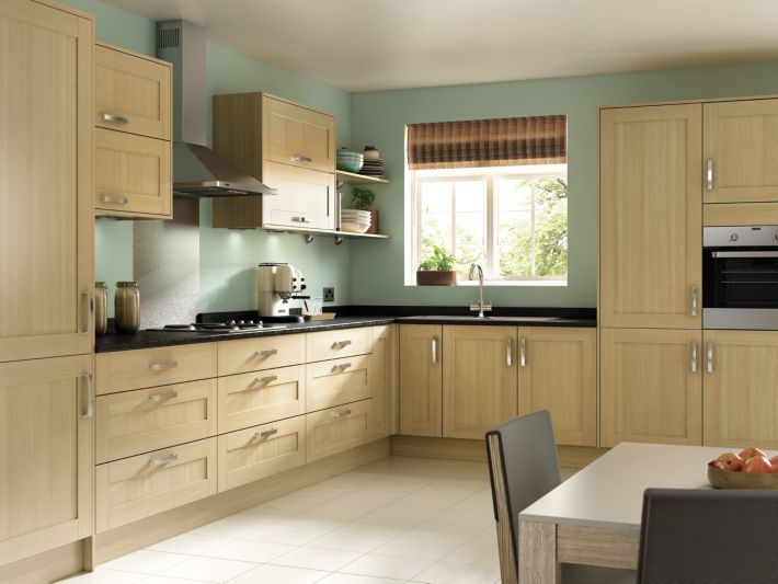 Like The Colour Of This Wood Effect But Would Want Real Wood Tulsa Oak Effect Shaker Kitchen Wick Flatpack Kitchen Kitchen Fittings Shaker Style Kitchens