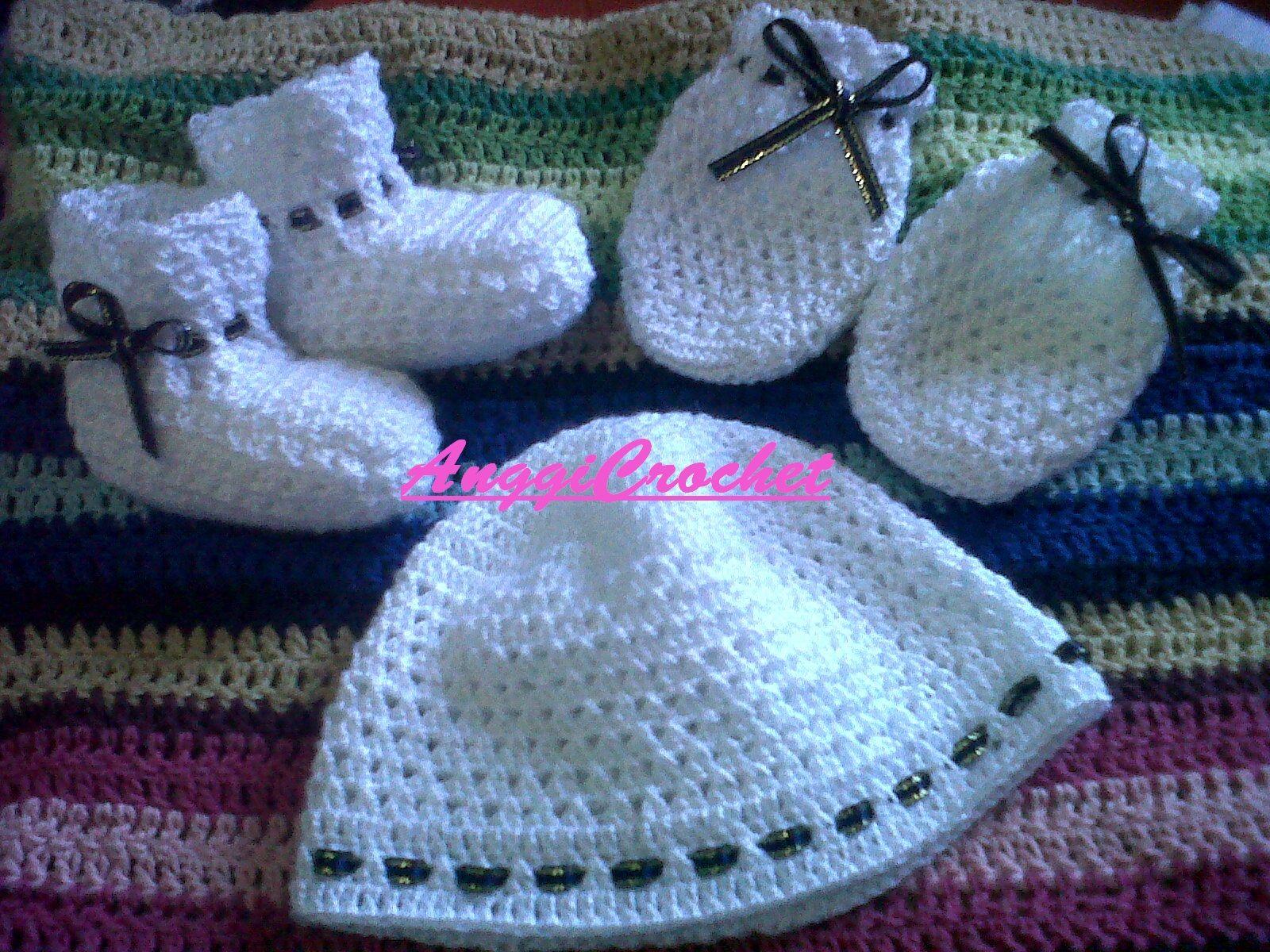 5d00055e3 Juego de manoplas, escarpines y gorro para bebe recien nacido tejido a  crochet