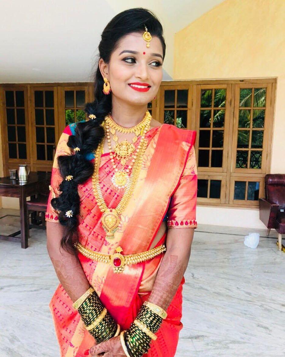 "Vinutha Mithilesh on Instagram: ""#weddingdiaries #weddingmakeupartist #bridalmua #bridalmakeup #makeupartist #makeupjunkie #weddingdiaries #wakeupandmakeup #goddess…"""