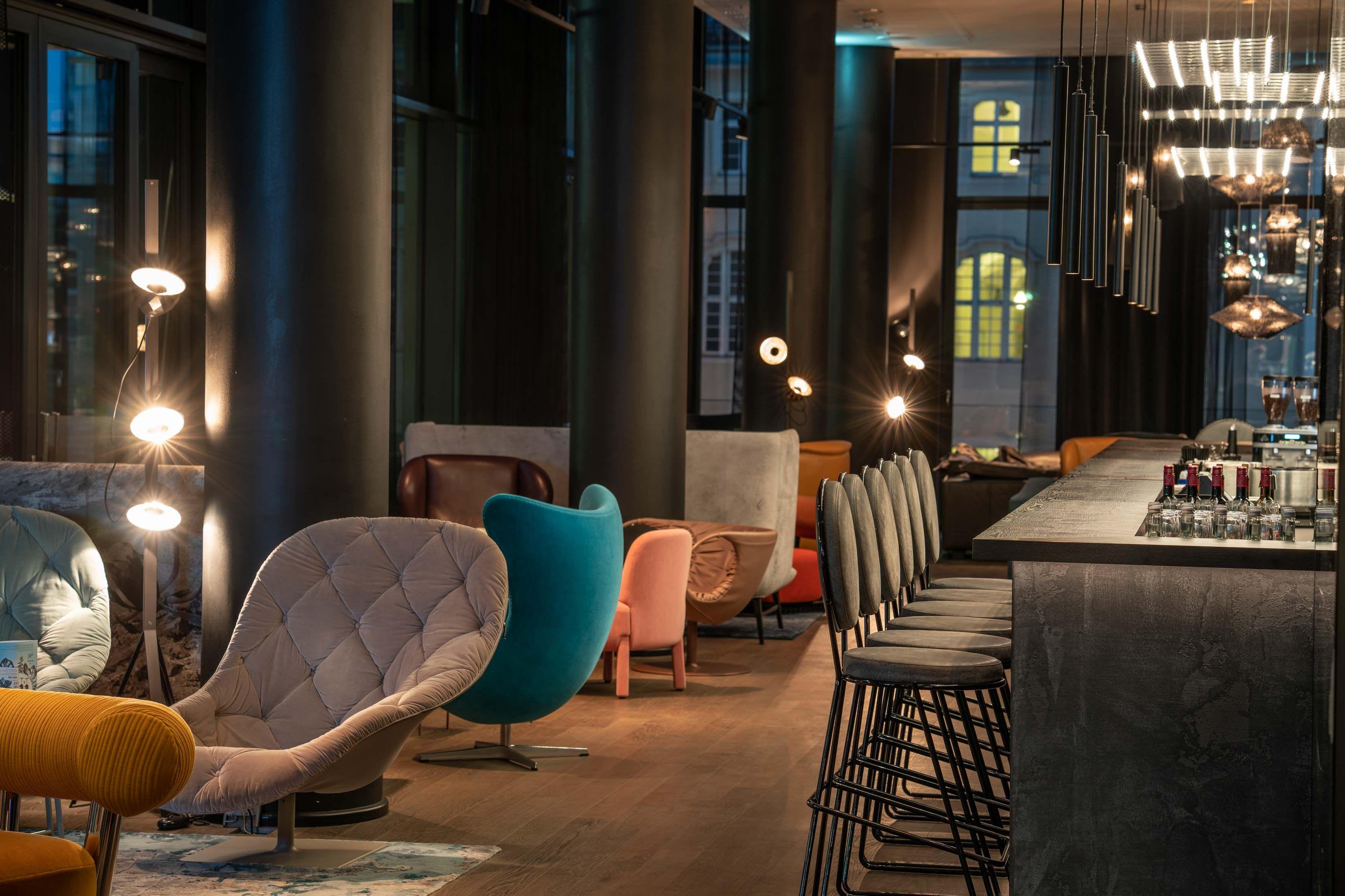 Hotel Berlin Alexanderplatz Motel One Design Hotels Berlin Alexanderplatz Hotels Design Design Hotel