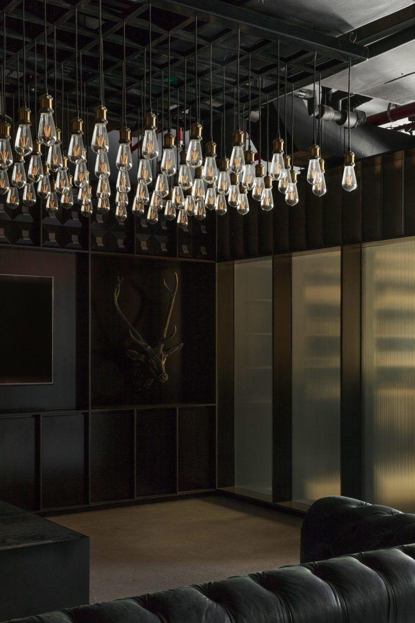 Chaps Co Dubai By Nicholas Szczepaniak Architects Interior Design Dubai Moody Interiors Showroom Design