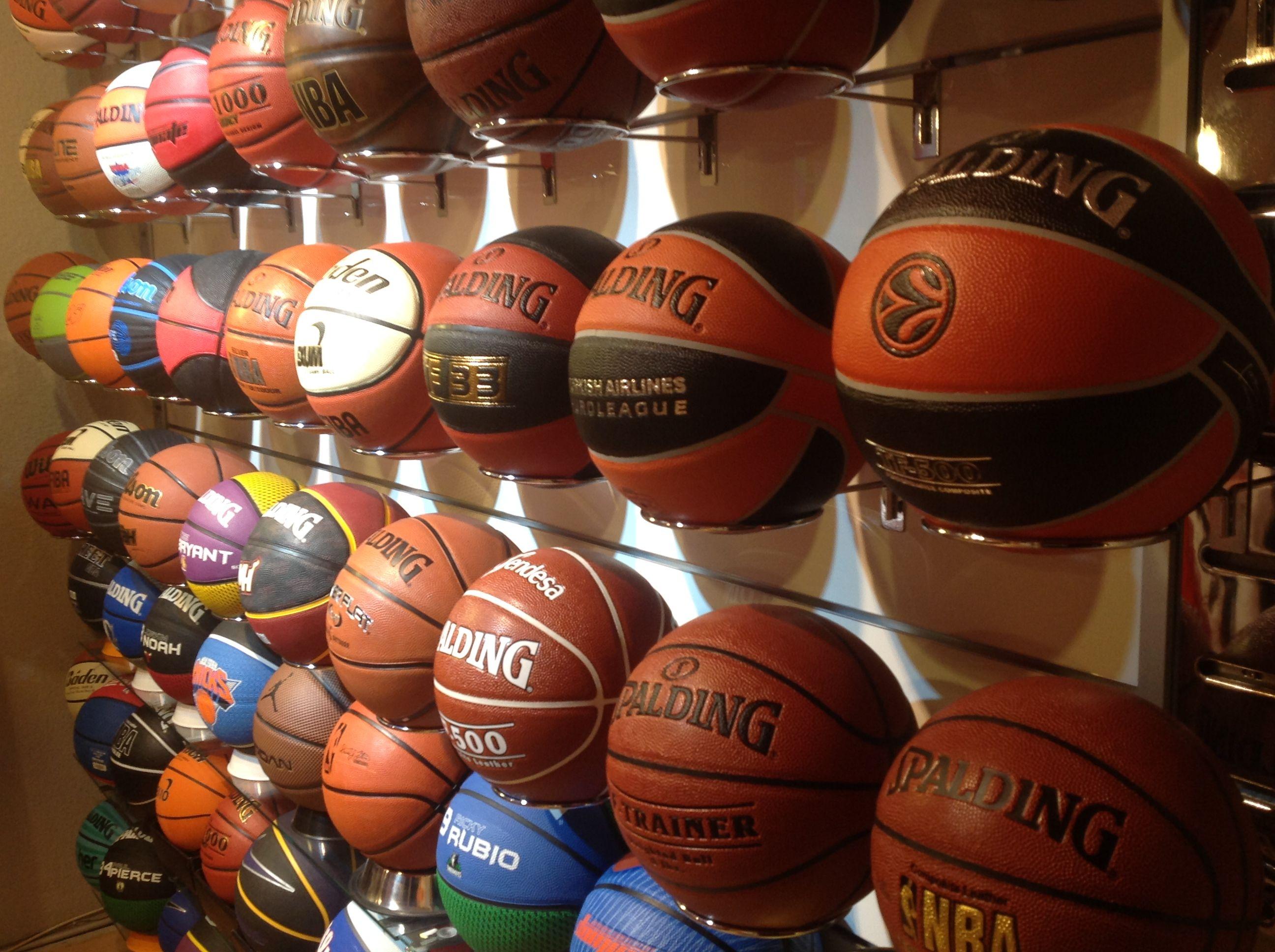 Te ofrecemos una selección de más de 100 balones de la máxima calidad en  www.basketspirit.com Balones 836e8ab729946