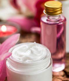 DIY-Kosmetik-Rezept für eine Rosencreme - eine herrlich duftende ideale Feuchtigkeitspflege