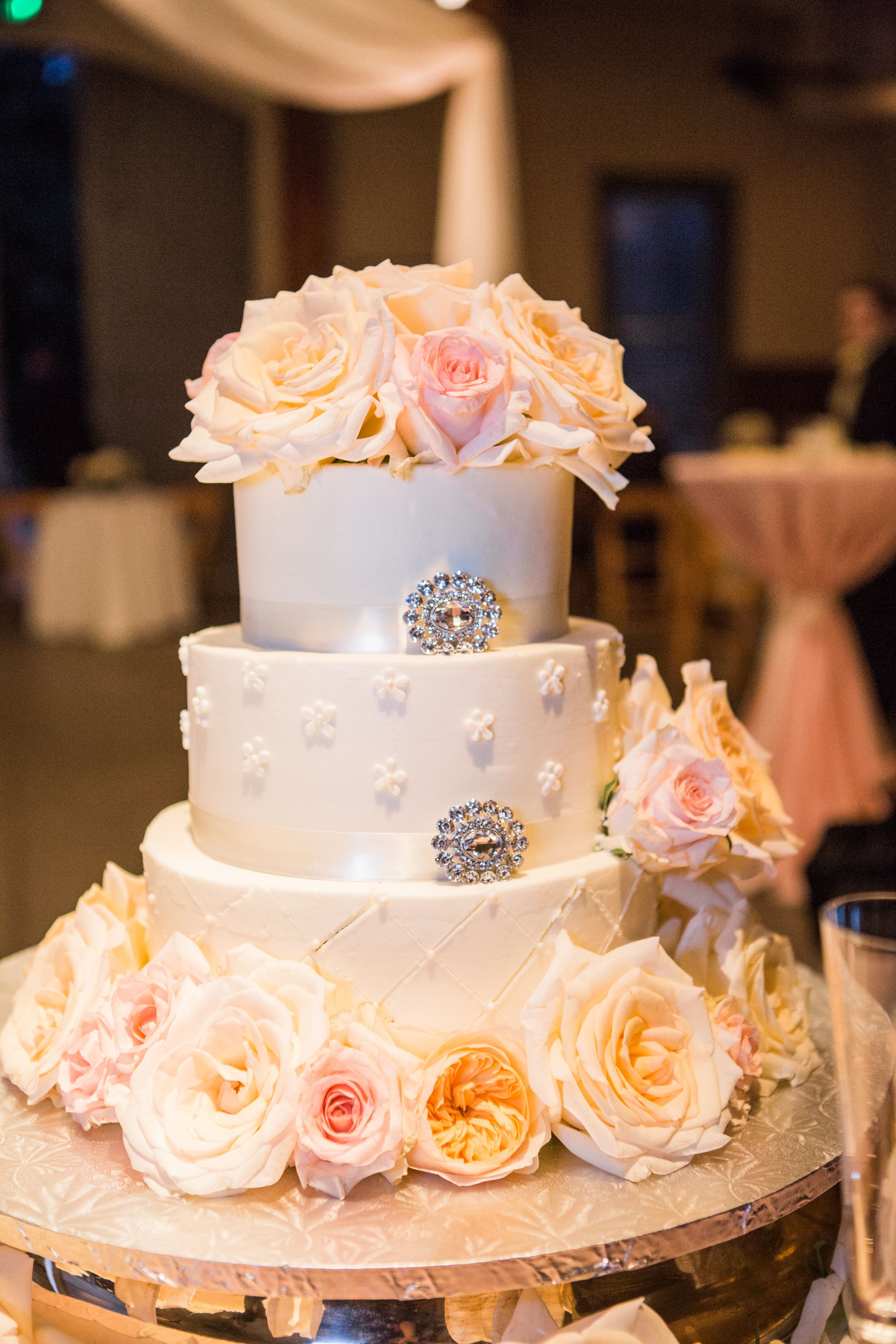 Cake by Puffy Muffin Photography by Sarah Sidwell