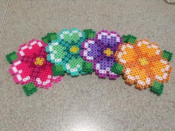 Perler Bead Flower Coaster Set #sjovmedperler