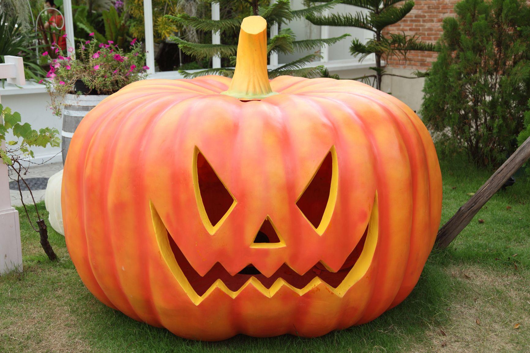 halloween pumpkin design ideas carvings and templates | spooky