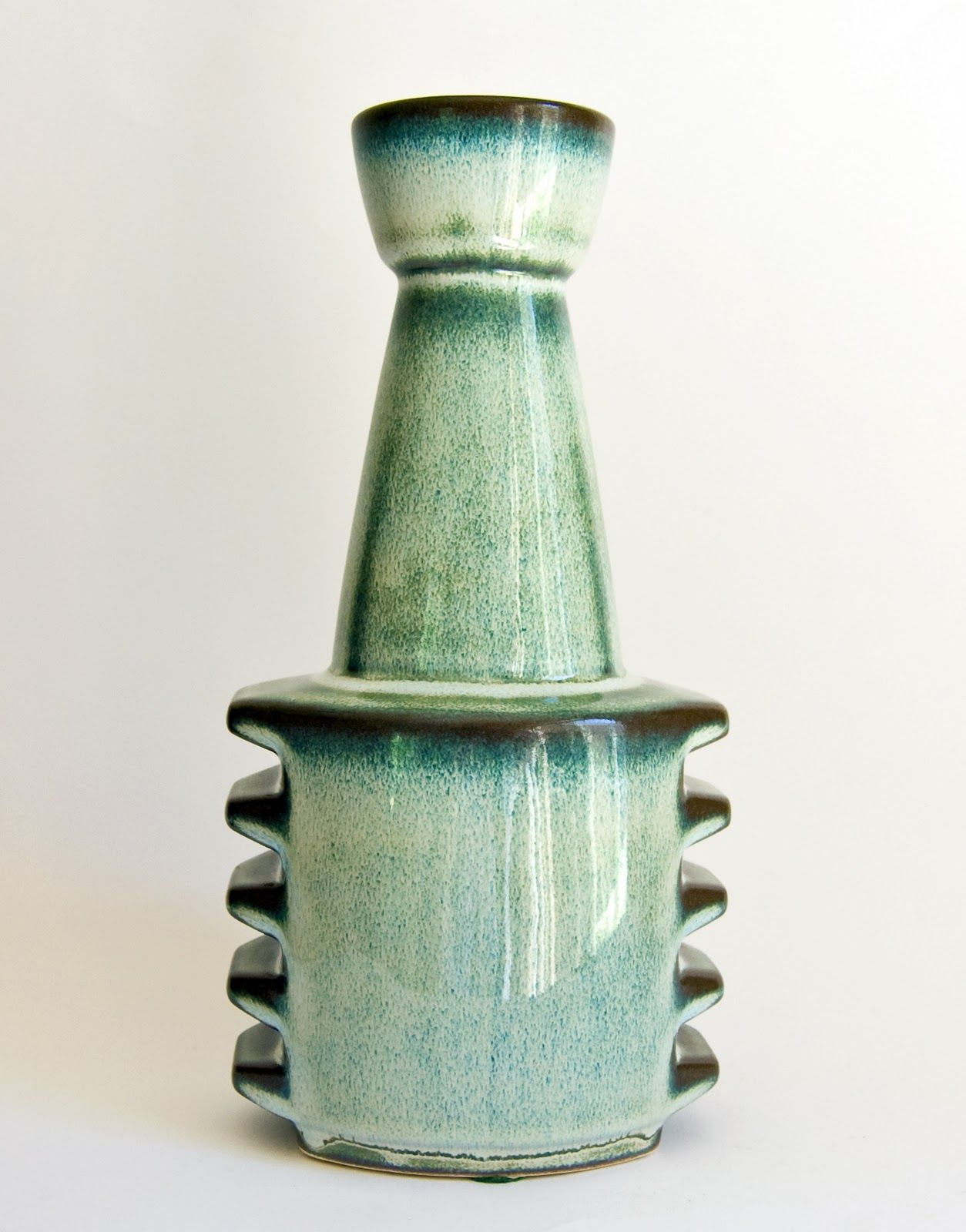 Einar johansen for soholm from the generous retro pottery net mint green vase designed by the iconic einar johansen for soholm bornholm denmark reviewsmspy