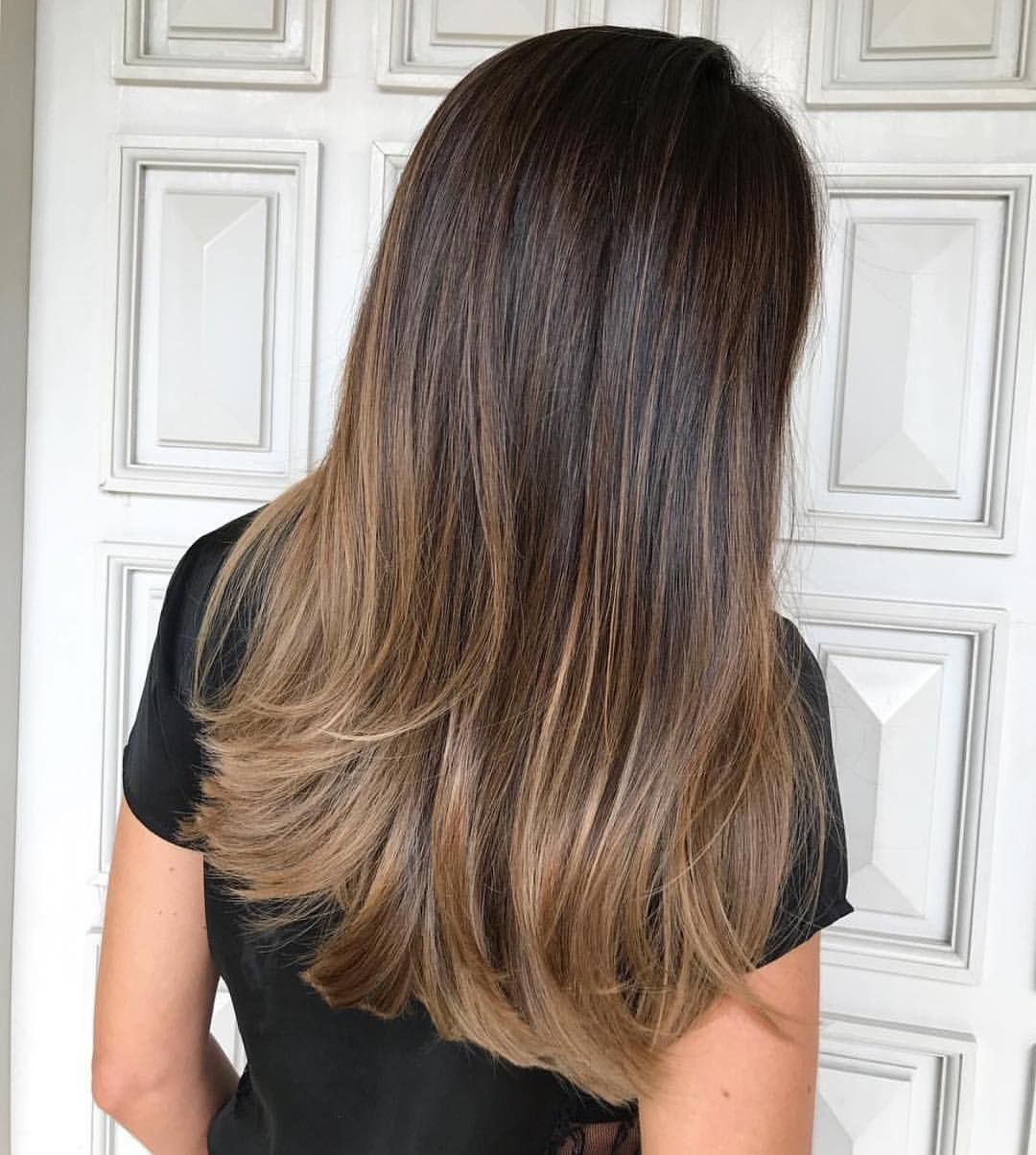Inspiration For Brunettes That Wants A Hint Of Golden Balayage But Still Maintain Their Base D Hair Color Flamboyage Hair Color For Morena Brown Hair Balayage