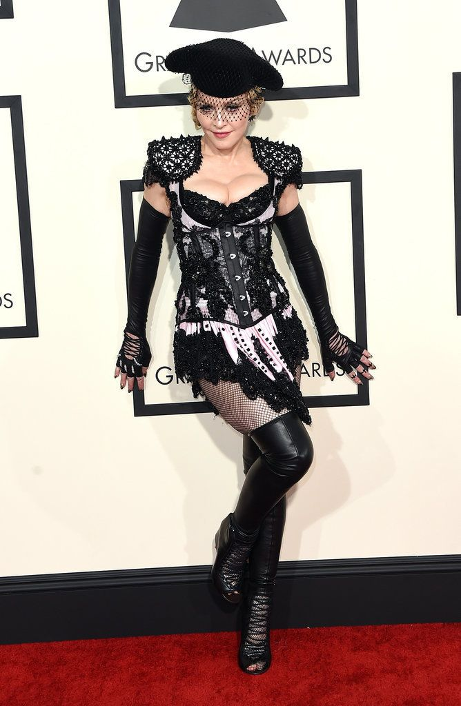 Madonna Literally Mooned The Entire Grammys Red Carpet Celebrity Outfits Red Carpet Looks Grammy Awards Red Carpet
