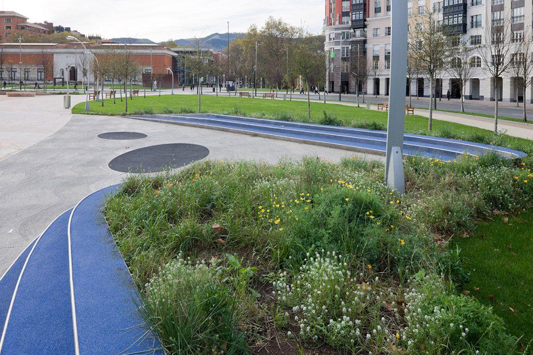 Plaza-Euskadi-by-Balmori-Associates-12 « Landscape Architecture Works | Landezine